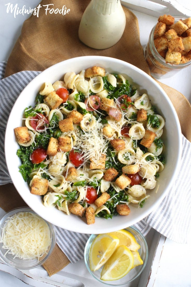 Kale Caesar Pasta Salad | Midwest Foodie | I love a good pasta salad for my weekly meal prep! A couple hours in the kitchen on the weekend means I can spend a lot more time focusing on the important things during the week. #pasta #salad #mealprep #kale #caesar #familydinner #easy #simple #quick