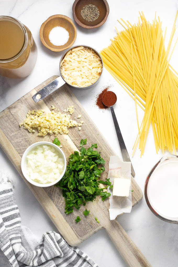 Ingredients used to make fettuccine alfredo in one pot